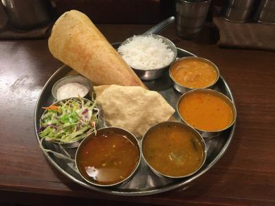 """八重洲の南インド料理のお店 """"DAKSHIN"""" で豪華ランチ、""""ドーサ""""・""""サンバル""""・""""ラッサム"""" なるものを(たぶん)初めて食べました!"""