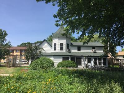 ミネソタ州 ウォルナット グローブ - グランマ ハウスにはアメリカ生活の古い物が展示されています。