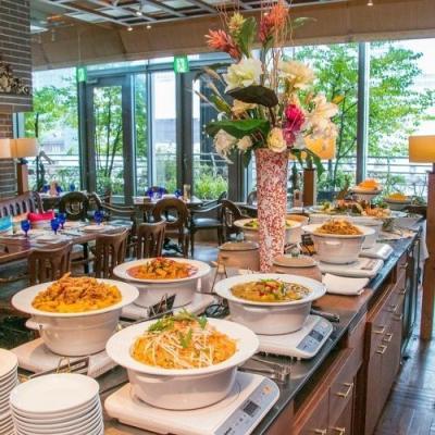 """久々にトムヤムクンが食べたくなって、新丸ビル6階 """"サイアムヘリテイジ"""" のランチビュッフェへ。サラダ・バーあり、デザートも3種類!"""