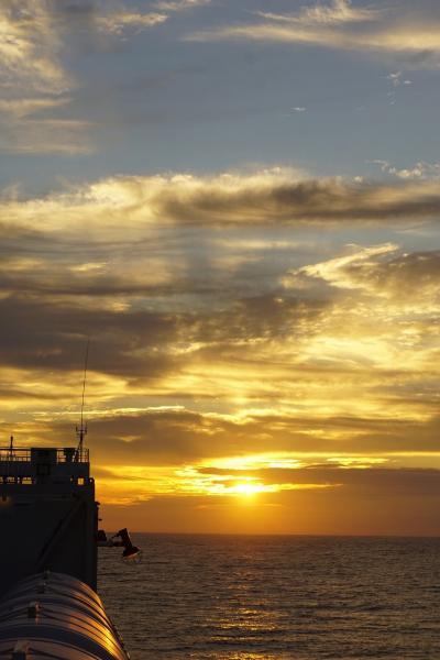 大平洋フェリー創立50周年3船乗り比べツアーと名古屋の旅(3)台風一過の快晴の中フェリー「きそ」で太平洋を北上して仙台を目指す。