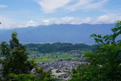 20210716-1 松本 梅雨明けたらしい。見晴らしのえぇとこ行ってみようかなと、御殿山の見晴台まで登ってみる。