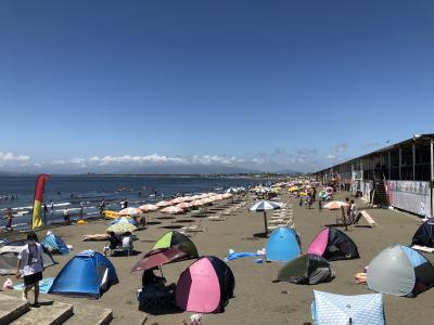 梅雨が明けて最初の日曜日、夏が来た湘南の海水浴場