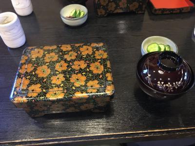 誕生日のお祝いに我孫子の小暮やに行きうな重を食べ、その後に本土寺に行きあじさいと花菖蒲を鑑賞。