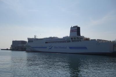 20210725-1 小樽 新潟からのフェリーは、快適なれど…着岸してからが長い…