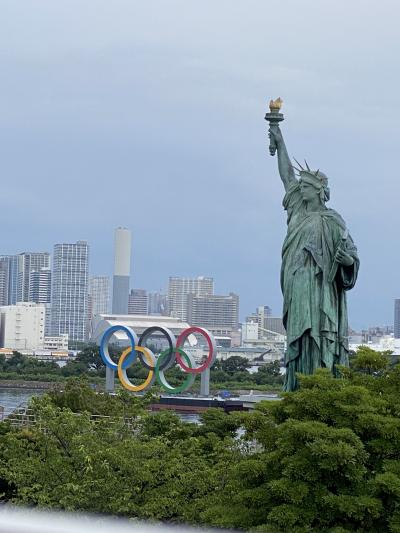近くて遠いTOKYO2020,開幕5日前国立競技場、開会式当日我が家から見た5色の輪、開幕8日目夢の大橋の聖火