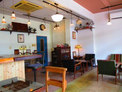 JR四日市駅近くの本町通り商店街に行きます。ジャズが聞ける喫茶店がオープンしました。(2021年)