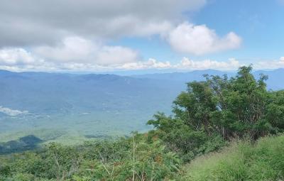 御嶽山(3,067m)・摩利支天山(2,959.5m) 長野県側から登り岐阜県側に下山 (1日目)