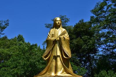 源氏物語の作者、紫式部ゆかりの紫式部公園から紫ゆかりの館へ
