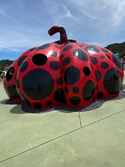 飲んだくれネコ、直島のアートとうどん県のうどん堪能の旅