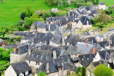 シニアの南フランスの旅[4] テュレンヌ、コロンジュ・ラ・ルージュ、カルンナック等々の美しい村巡り