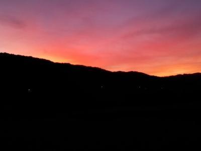 7月の4連休は田舎でのんびり過ごし綺麗な夕日を見てTOKYO2020開会式は庭でBBQしながら車の車載テレビで視聴しました!(^0^)!