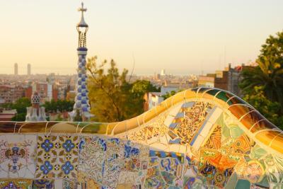 初バルセロナ�早朝のグエル公園、サグラダファミリア、ブランチ、タパ…
