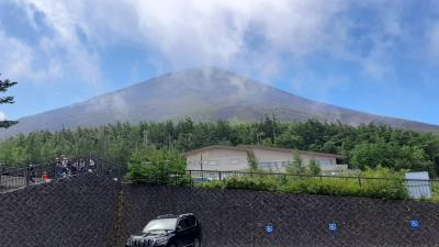 日本一の富士山に一度は登ってみないと・・・