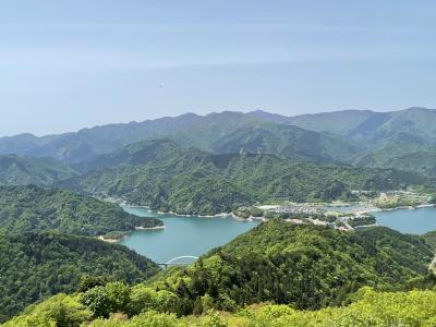 宮ヶ瀬と城山湖のハイキングを楽しむ