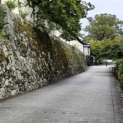 里坊と石積みの町 坂本散策