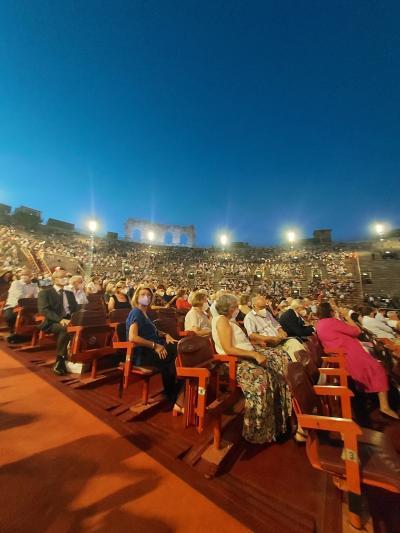 イタリア ヴェローナでオペラを見る