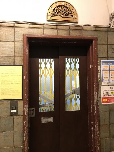 松屋世界の中古カメラ市から、銀座レトロ手動エレベーターと有楽町界隈ぶらり編