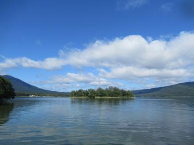 リベンジ摩周湖、なんて澄み切った色!阿寒湖もオンネトーも屈斜路湖も美しい!道東は湖の宝庫でした。