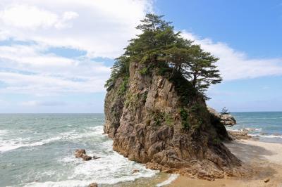 眼鏡岩(笹川流れ)/  吊り橋と離れの宿 鷹の巣舘  / 2021/5/22