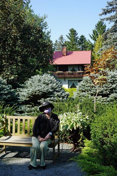 トラピックス 釧路で過ごす10日間(10)真鍋庭園の回遊式庭園に驚き、六花の森の完成度の高さに驚嘆する。