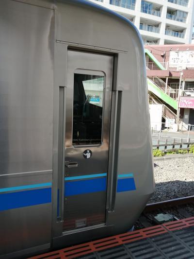 小田急の新車に乗って新宿へ