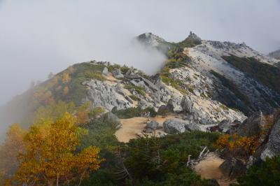 曇天の夜叉神峠から1泊2日鳳凰三山(南御室小屋テント泊)