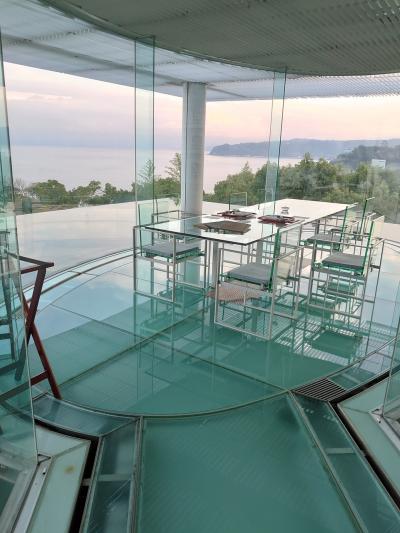 隈 研吾氏 設計のホテルのテーマは「水とガラス」