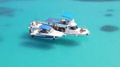 ☆美しき海に浮かぶ〈空飛ぶ船〉→ランペドゥーザ島ではありません!加計呂麻&奄美の海で~1日ボート(プライベート)ツアー