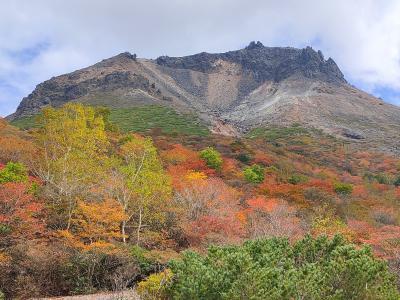 三斗小屋温泉煙草屋に泊まる那須岳紅葉ハイキング