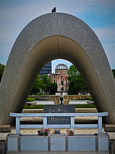 広島23  広島-8  平和記念公園 再び 閑静(資料館休)-慰霊碑- 祈りの像 ☆平和大橋~元安橋
