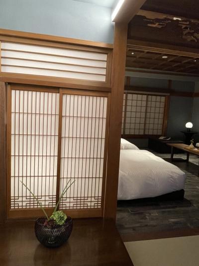 夏のような秋を楽しむ京都HOTEL VMG RESORT KYOTO、朝食は平安神宮で・・・