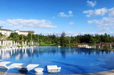 沖縄旅行2021春10:ハレクラニ沖縄の朝食とプール