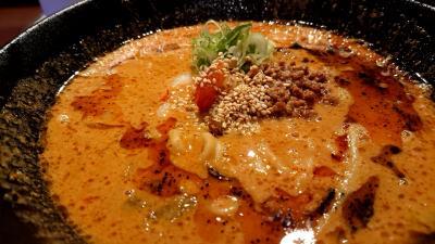 今日も松本市内で昼食。テレビチャンピオンにも出演した、タンタンメンの九龍へ行きました。