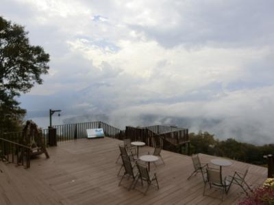 赤倉から斑尾へ その5 東急リゾートタウン斑尾で野尻湖テラスに上がってみました。