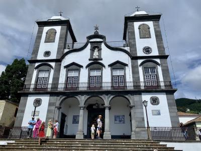 マデイラ島のフンシャルのモンテ村とマデイラ植物園。