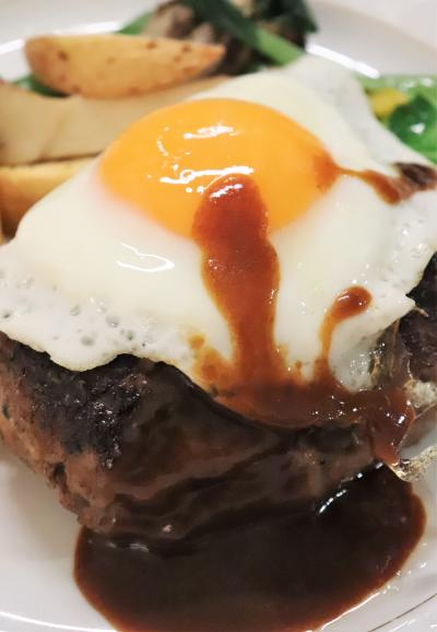BAYコンチ ☆ 牛ミンチハンバーグ目玉焼き添え(ついでにインターコンチで食べたサニーサイドアップの画像を集めてみた)
