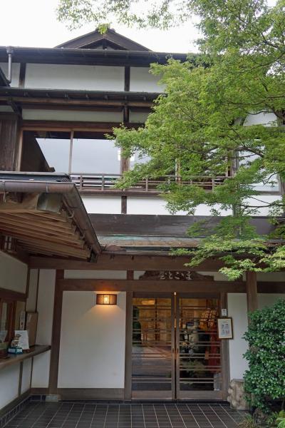 奥多摩の小澤酒造の澤乃井園の「ままごと屋」と銀座「吉兆」の還暦祝いの宴を楽しむ。