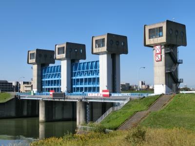 隅田川橋巡り 岩淵水門から河口の築地大橋まで、その1:岩淵水門から千住大橋。