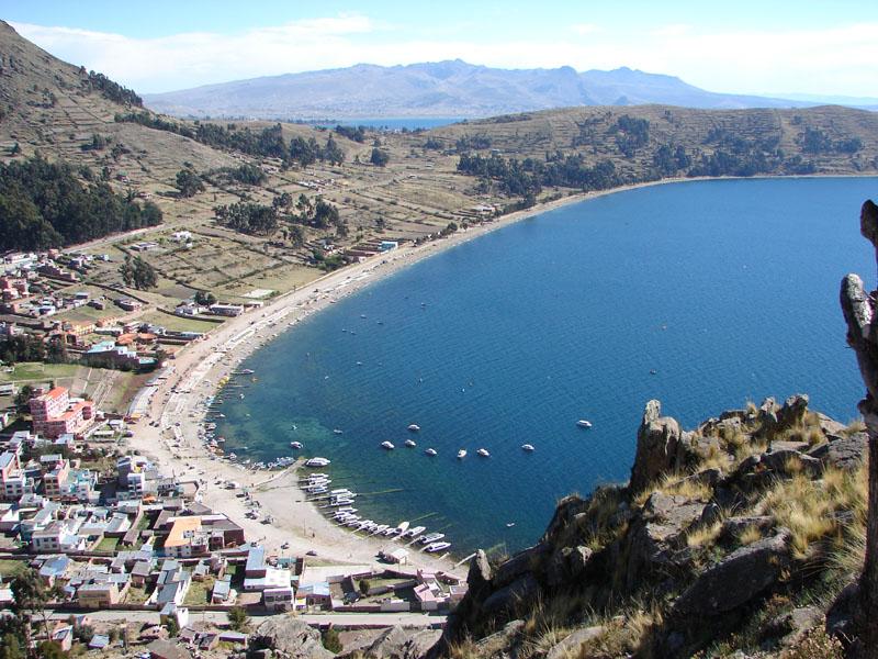 チチカカ湖(ボリビア)