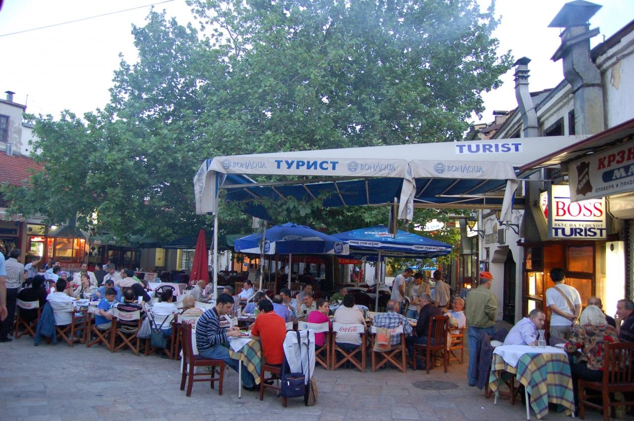 2006旧ユーゴを訪ねて マケドニア 1 (スコピエ)』スコピエ(北 ...