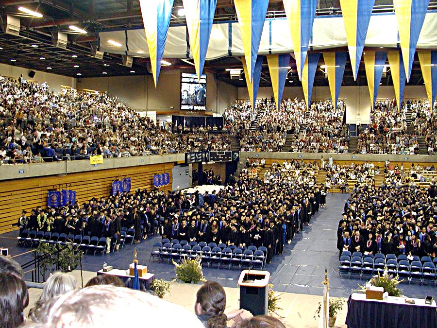 uc davis大学の卒業式 カリフォルニア州 アメリカ の旅行記 ブログ by