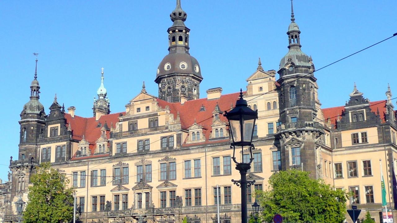 25ザクセン王家宝物館(緑の丸天井)が復活したドレスデン王宮