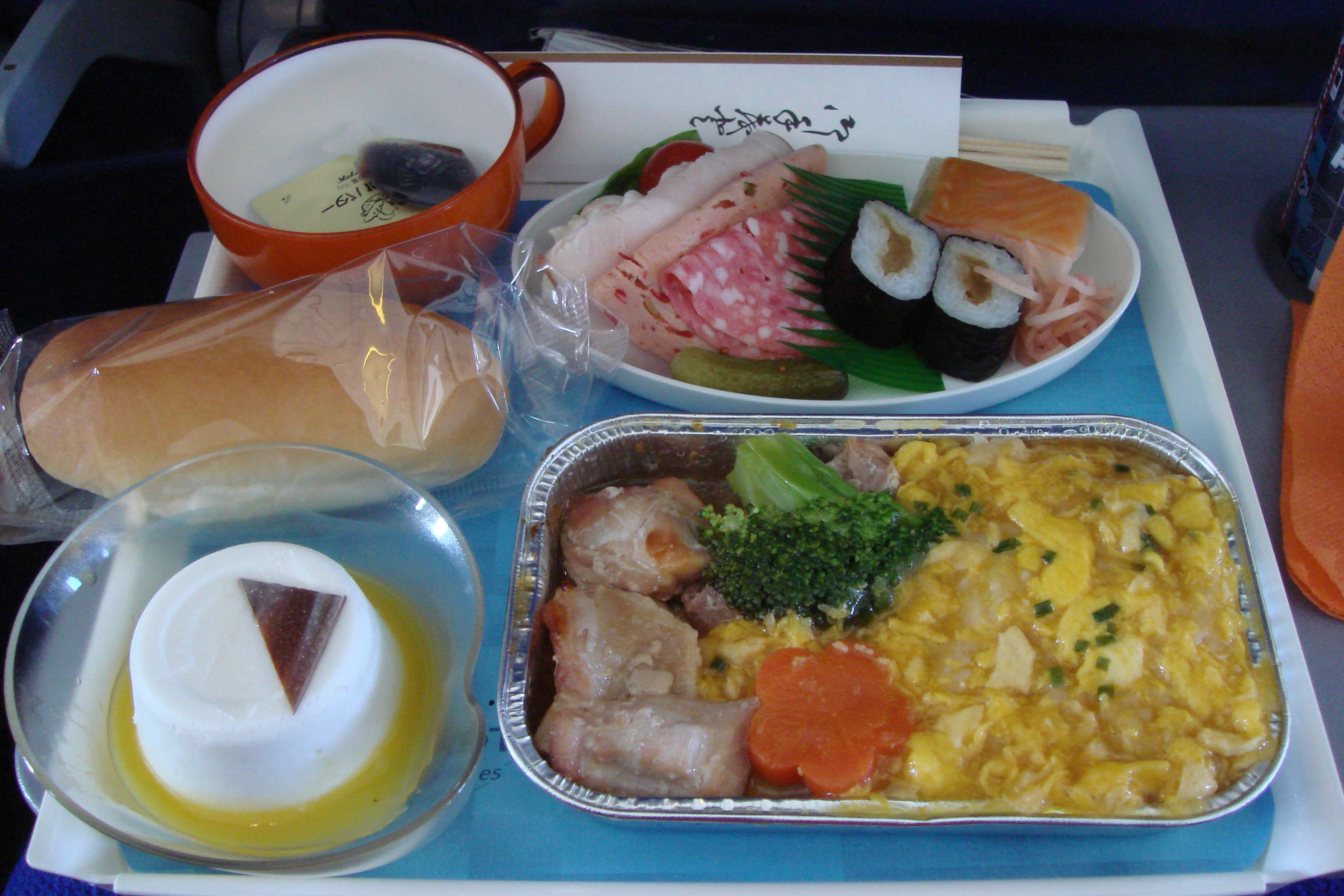 ヨーロッパ・アウトレットでお買い物♪アエロフロート・ロシアの機内食