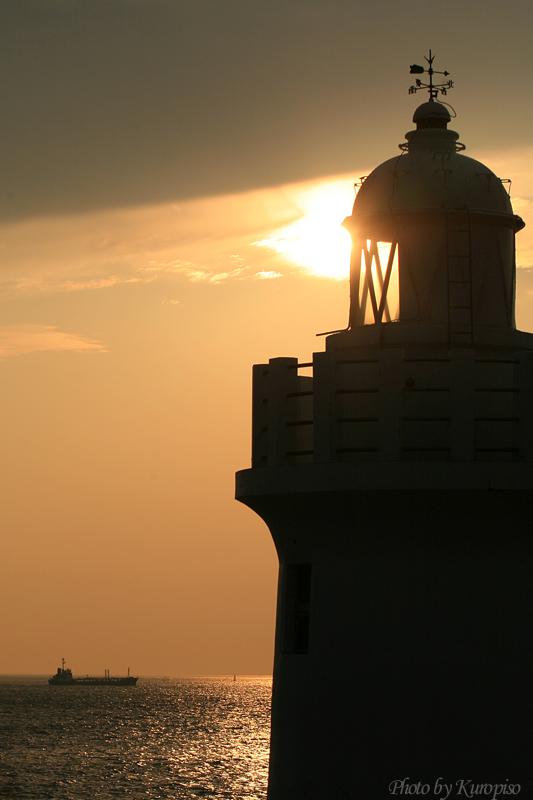 『『日本の灯台50選』 伊良湖岬灯台で眺める夕陽』渥美半島 ...