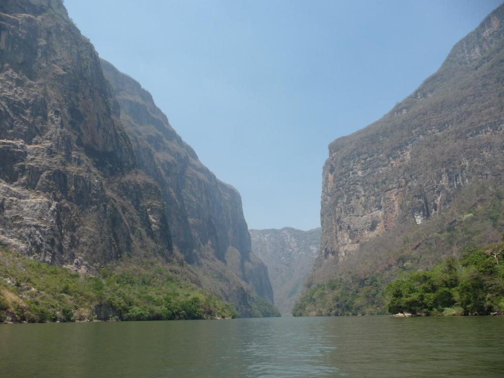 スミデロ渓谷とサン・クリストバル・デ・ラス・カサス(長げー名前 ...