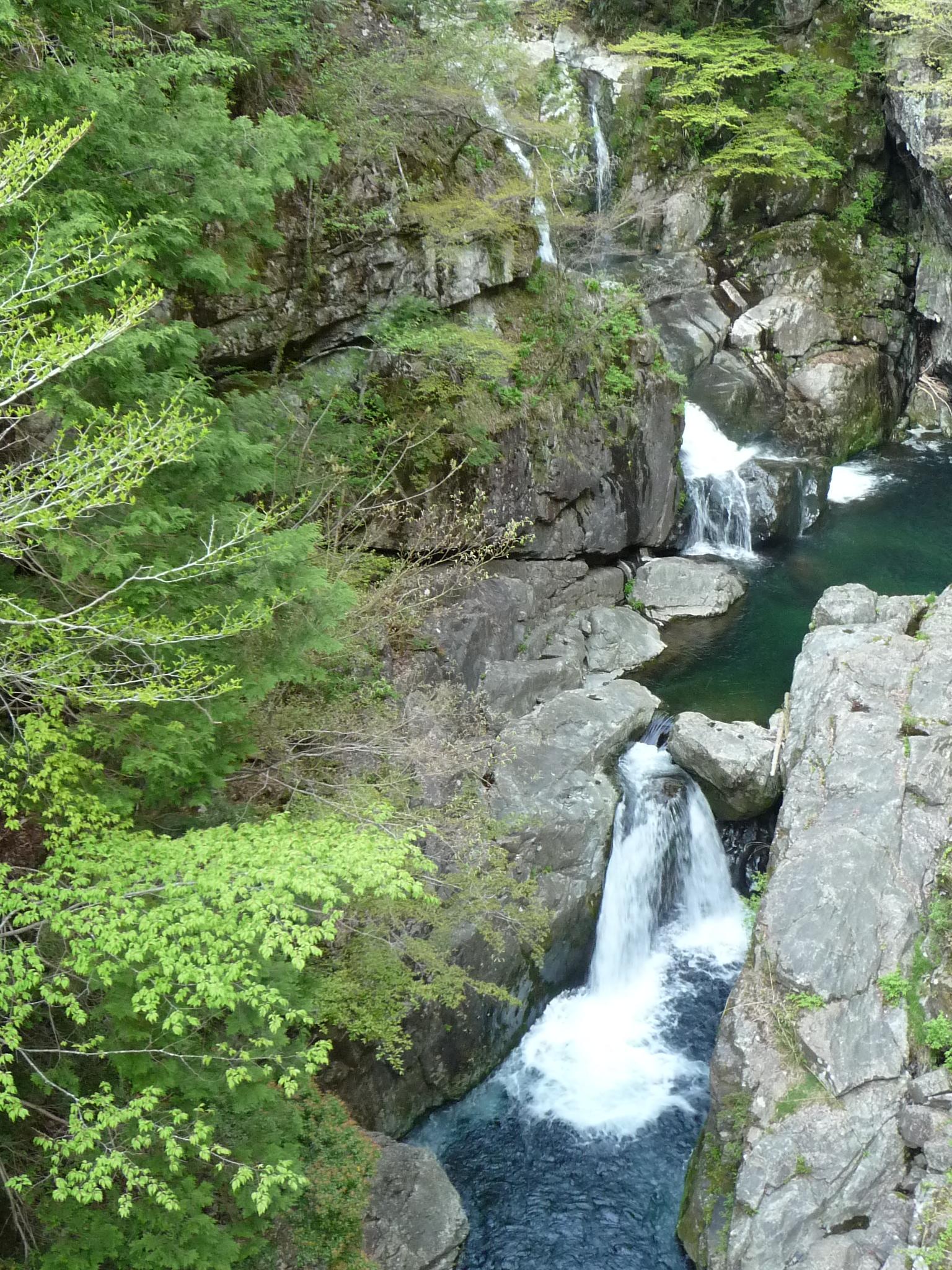 滝紀行◇みたらい渓谷の二つの滝...
