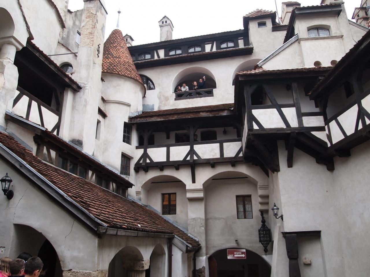 ルーマニア第2の都市ブラショフとドラキュラのブラン城