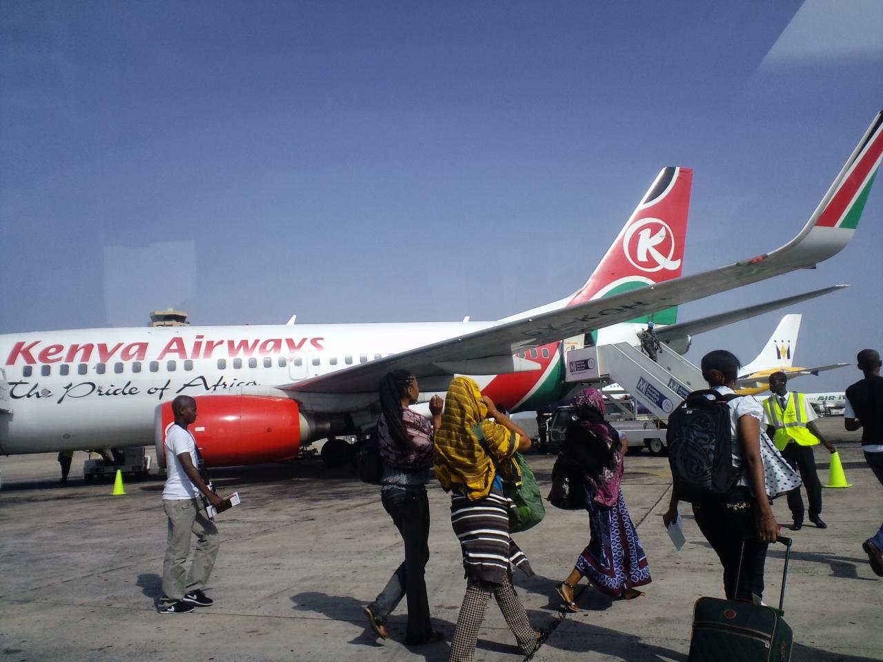 ケニア航空 バマコ/ダカール KQ5...