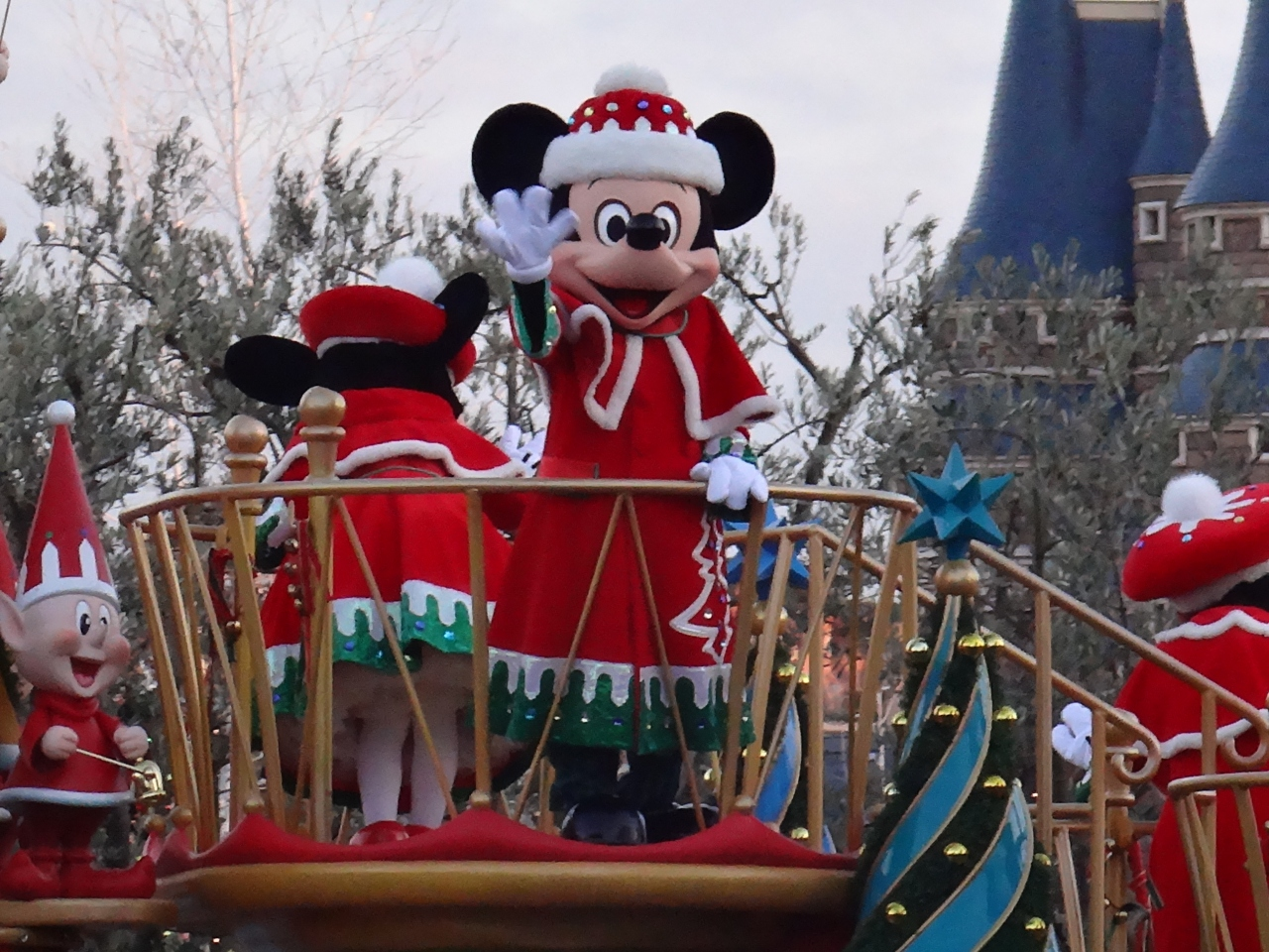 東京ディズニーランドのクリスマス パレード、限定グッズ、スペシャル