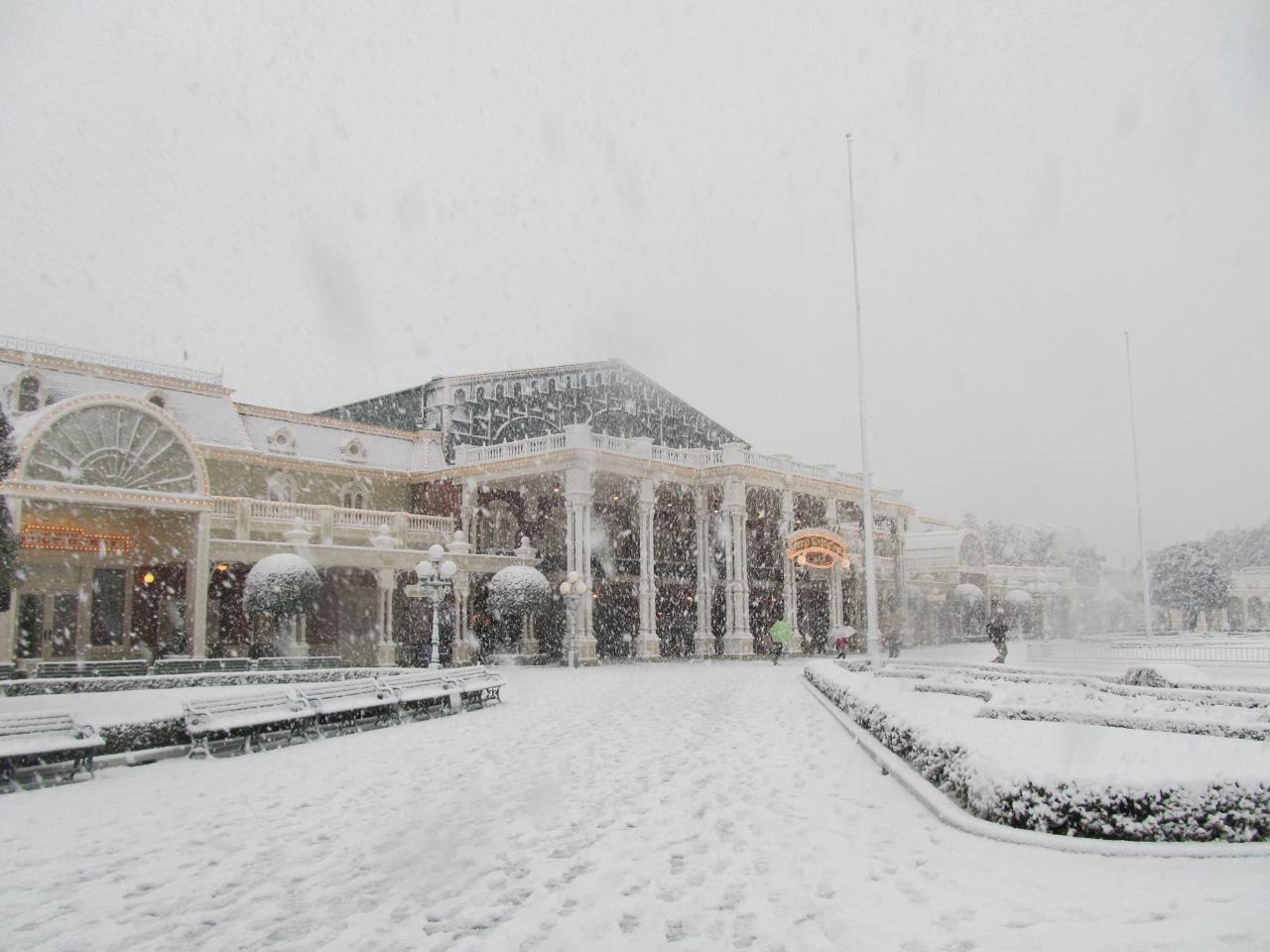 雨のち大雪の東京ディズニーランドでアトラクション乗り放題☆(1月連休の